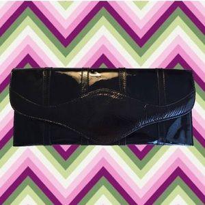 vintage 90's black patent leather clutch